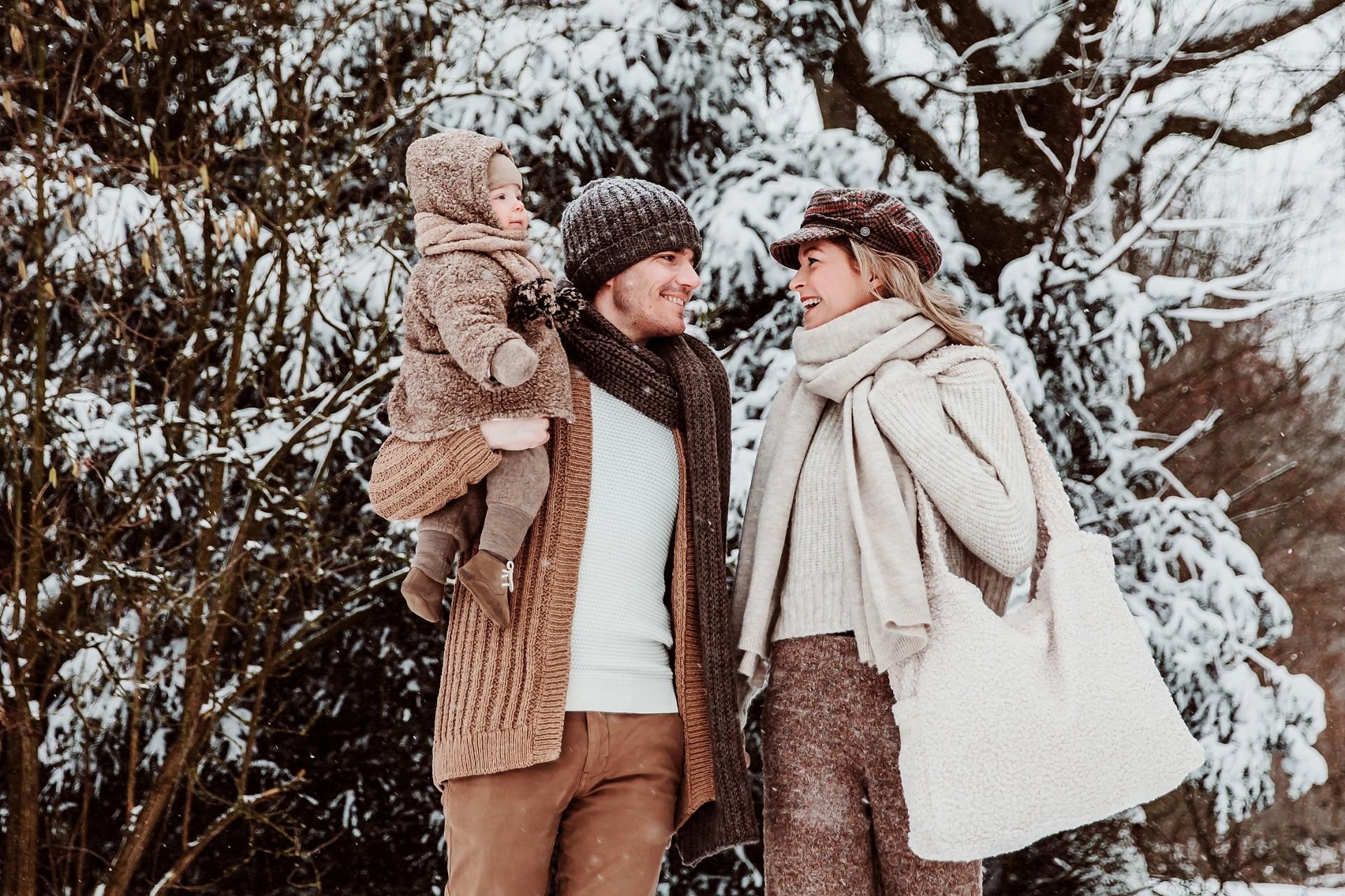 Familieshoot in de sneeuw, Elainefotografie