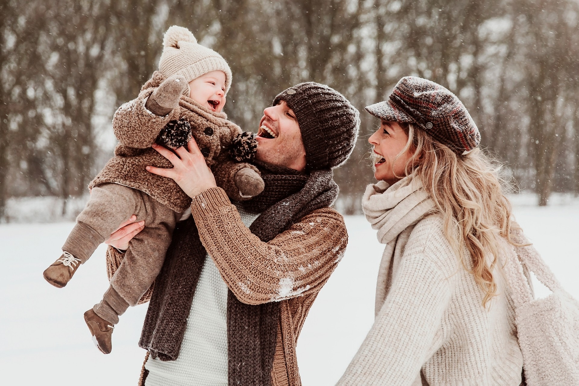 Elainefotografie familiefotografie Wijchen in de sneeuw