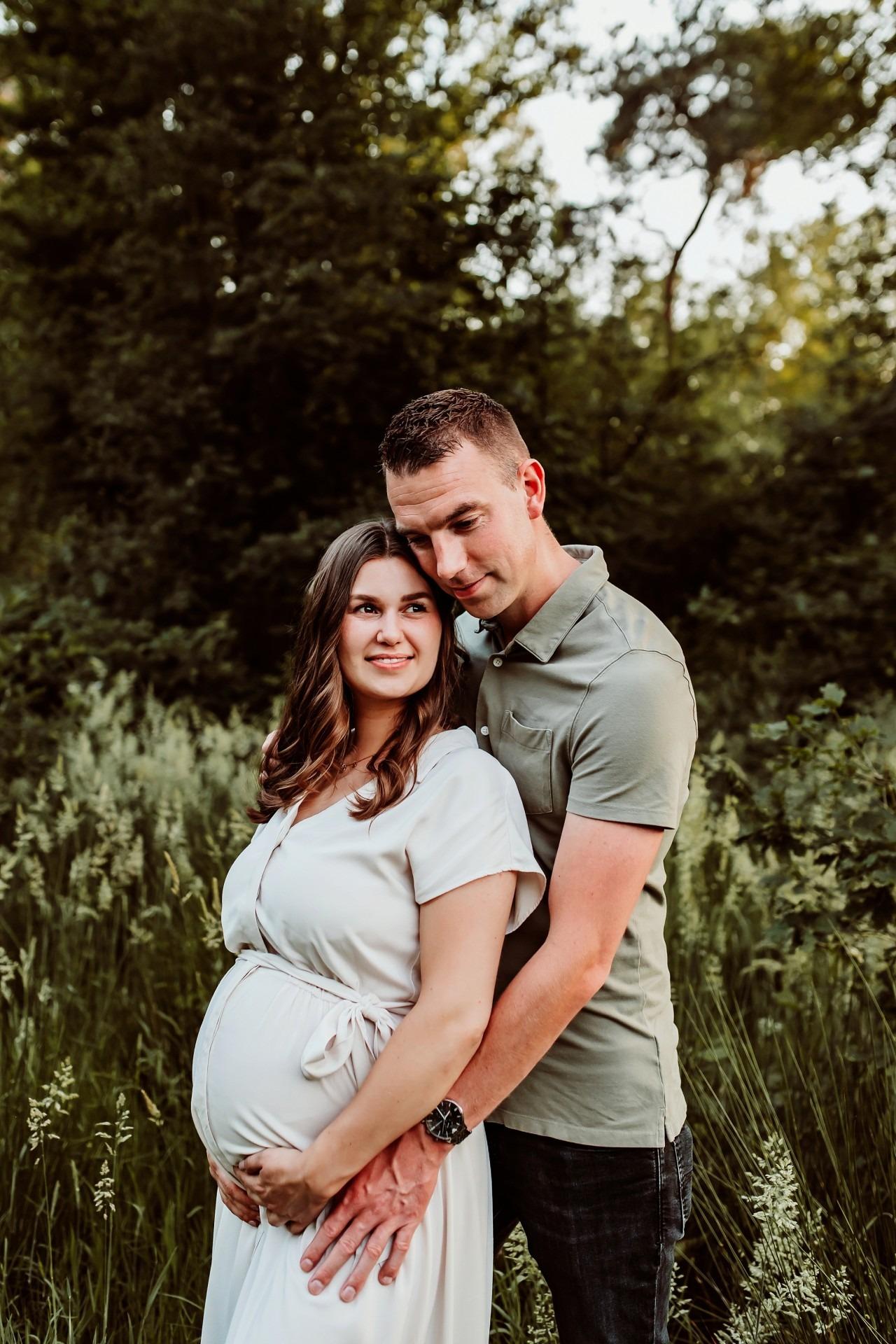 Zwangerschaps fotoshoot Ravenstein